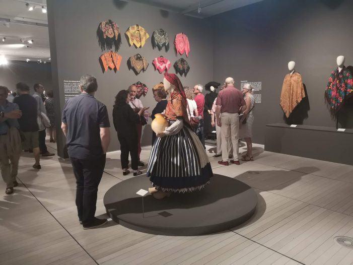 """Segundo bis das visitas guiadas á mostra """"Galicia, a terra dos mil panos"""""""