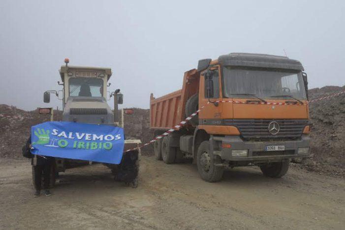 Salvemos O Iribio precinta as máquinas de Fergo Galicia Vento instando á Xunta a paralizar as obras