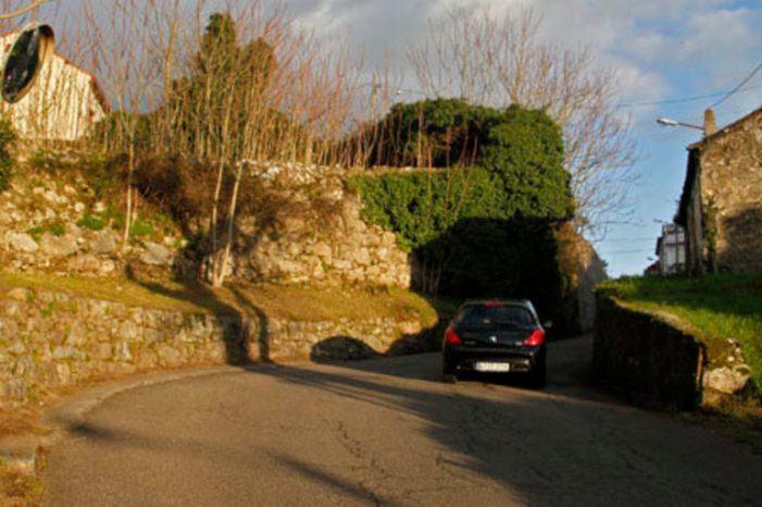 A Deputación de Pontevedra aproba unha subvención de 154.000 euros ao Concello de Vilagarcía para obras de seguranza na curva da Golpelleira