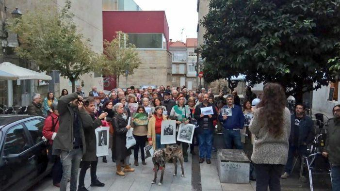 Medio centenar de persoas, artistas e colectivos pediron a apertura do Centro Fotográfico de Vigo