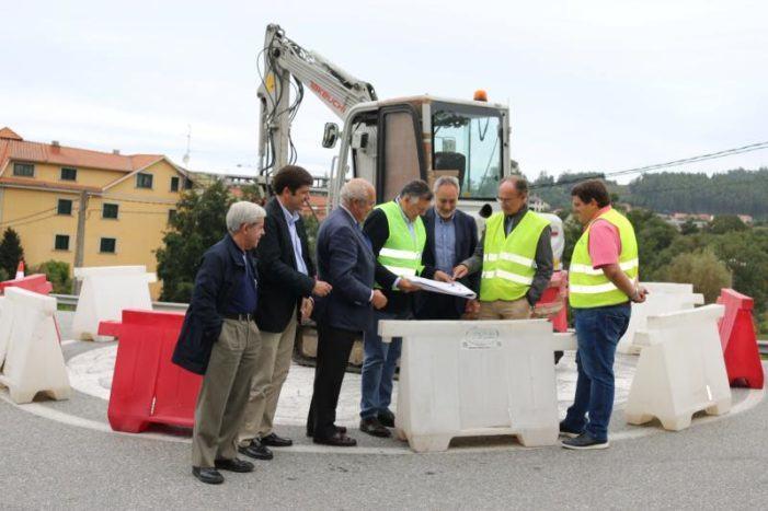 Cores Tourís comproba o inicio das obras da nova glorieta da PO-308 na praia de Areas en Sanxenxo