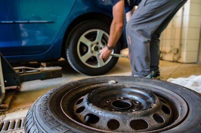 Ventajas de usar un comparador de neumáticos online