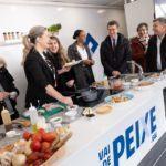 A atleta olímpica Ana Peleteiro anima aos alumnos da Facultade de Ciencias do Deporte e a Educación Física da Coruña a incluír o peixe na súa dieta