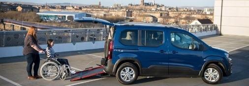 Transporte adaptado para pasajeros con discapacidad: lo que  las compañías de taxis necesitan saber