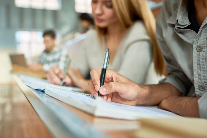Educación blinda o acceso ás ensinanzas universitarias dos estudantes con dificultades económicas por causas sobrevidas