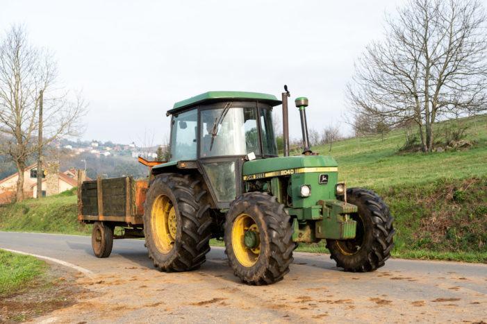Unha persoa foi atropelada polo mesmo tractor que manexaba en Mondariz