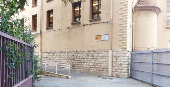 Empleados públicos se quejan de la falta de transparencia en la Oficina de Extranjería de Tarragona