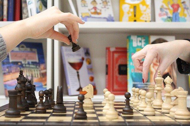 ¿Te gusta el ajedrez? Descubrimos los detalles del éxito de Escacimat, tienda online de ajedrez