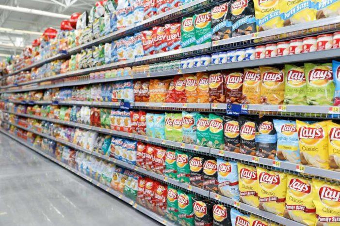 OCU advierte del incremento del consumo de snacks poco saludables durante el confinamiento