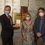 Pedro Duque deposita en la Caja de las Letras la Medalla Nobel 1906 de Ramón y Cajal