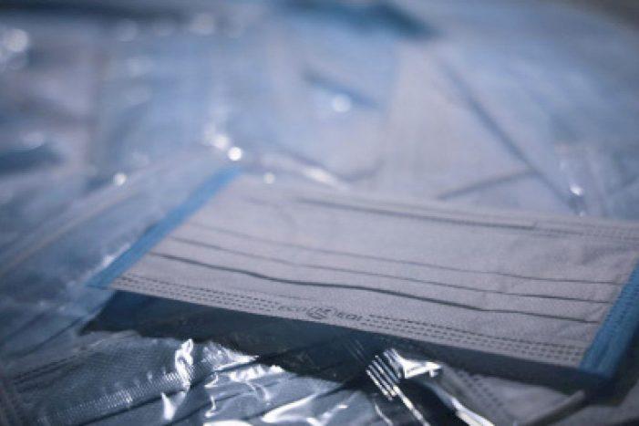 O Concello entrega 43.000 máscaras a colectivos vulnerables ou en risco social