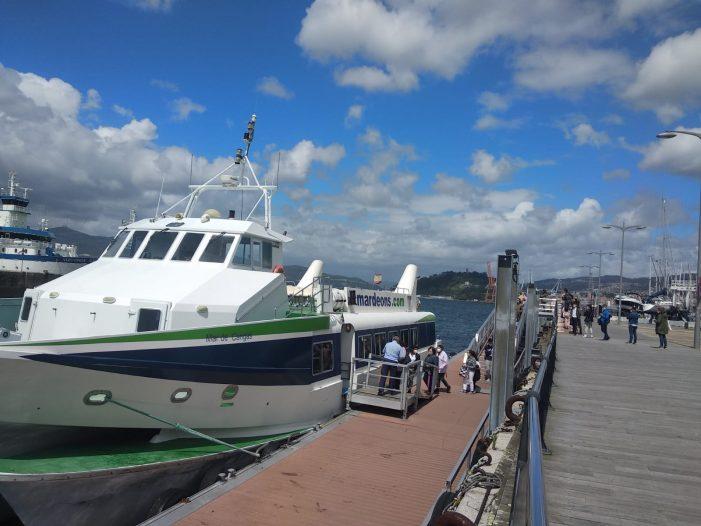 El servicio regular marítimo entre Cangas y Vigo sufre un descenso de viajeros de casi el 90% en sábados, domingos y festivos