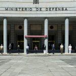 Defensa rinde homenaje a las víctimas de la Covid