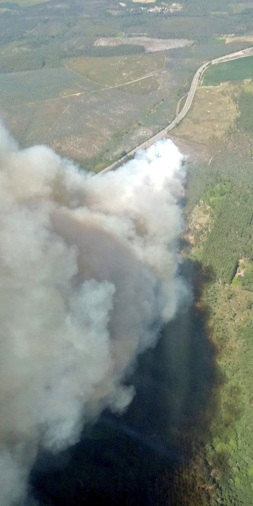Extinguido o incendio forestal do concello coruñés de Vimianzo, parroquia de Berdoias