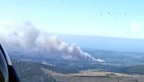Estabilizado o incendio forestal no concello coruñés de Vimianzo, parroquia de Berdoias