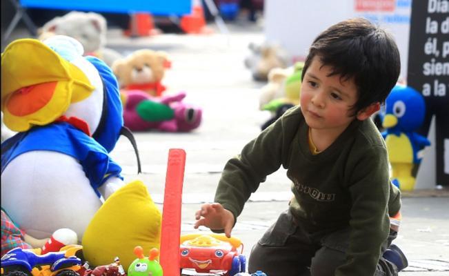 Un tercio de los niños del mundo está intoxicado por plomo, según un estudio pionero