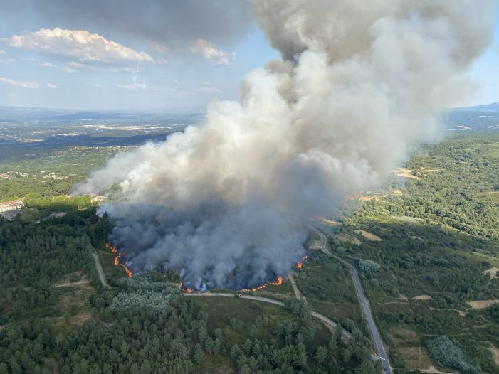 Arde a parroquia de Moreiras no concello ourensán de Toén