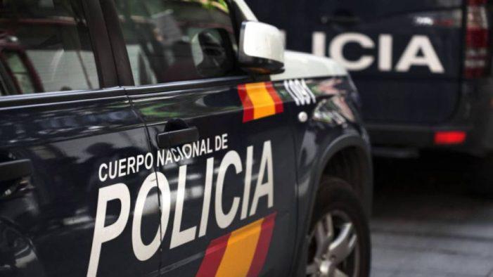 La Policía Nacional detiene a un varón que estaba irregularmente en Vigo y tenía pendiente una orden de búsqueda, detención e ingreso en prisión por un delito de abusos sexuales