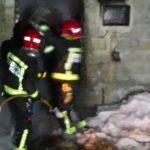 Arden dous almacéns de herba seca en senllos concellos de Lalín e Silleda