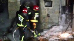 Arde por completo unha vivenda deshabitada en Redondela