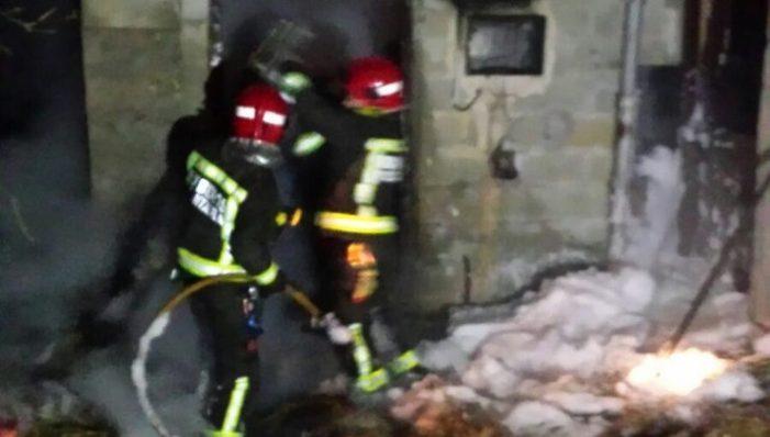 Arde de forma controlada e sen riscos un palleiro en Mazaricos