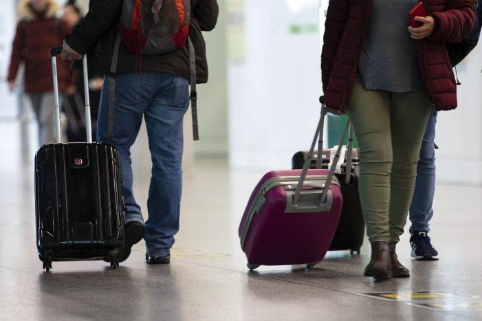 Sanidade actualiza o listado de territorios de obrigado rexistro para visitantes a Galicia