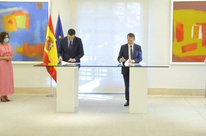 Pedro Sánchez firma el acuerdo con la FEMP para impulsar el papel de los ayuntamientos en la reconstrucción social y económica