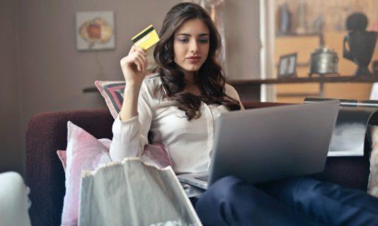 Cómo comprar ropa por internet de forma fácil y segura