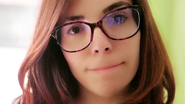 Una youtuber viguesa pide ayuda urgente