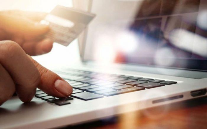 Peruanos compran en línea