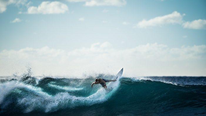 Aprende a hacer surf en el mejor país para hacerlo, España