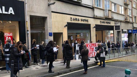 """""""Inditex non quere garantir empregos senón aproveitar os peches das tendas para recortar os nosos dereitos"""""""