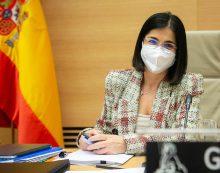 """Carolina Darias: """"Nadie que quiera vacunarse en España se quedará sin vacunar"""""""