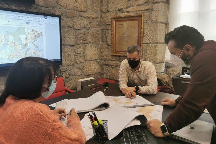 Reunión co equipo redactor do Plan Xeral de Ordenación Municipal de Gondomar.