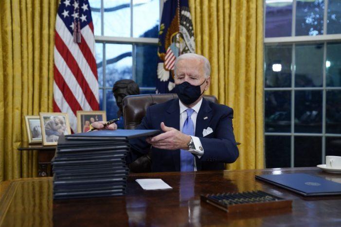 Joe Biden marca el tono de su presidencia al volver al Acuerdo de París y revocar los permisos del oleoducto Keystone XL