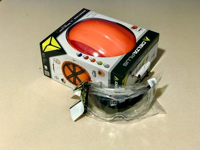 A concesionaria do 061 gasta varios miles de euros en cascos de protección pero equivócase de modelo