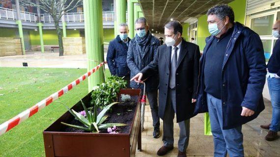 O Goberno de Vigo remodela a praza interior de Rivera Atienza con 50.000 euros