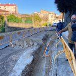 El PP denuncia, con los vecinos, el abandono de la zona de Alcalde Lavadores y la calle Ceboleira, con continuas roturas y cortes de abastecimiento de agua