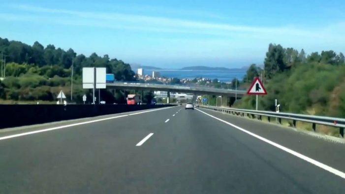 Dous accidentes en cadea sáldanse con tres persoas feridas en Vigo, na VG-20