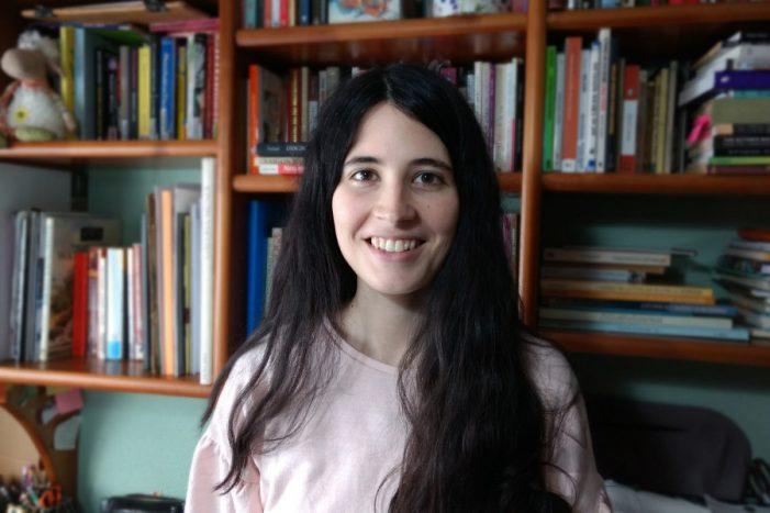 Ana Abad de Larriva, gañadora do 'I Premio de Microteatro da Memoria' da Deputación e a ESAD