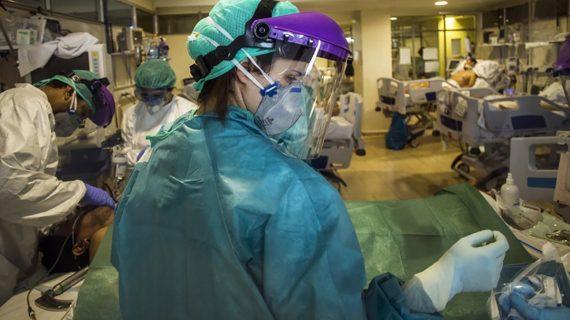 """""""Siguen sin contratar suficientes enfermeras y enfermeros cuando hay cerca de 3.000 en paro"""""""
