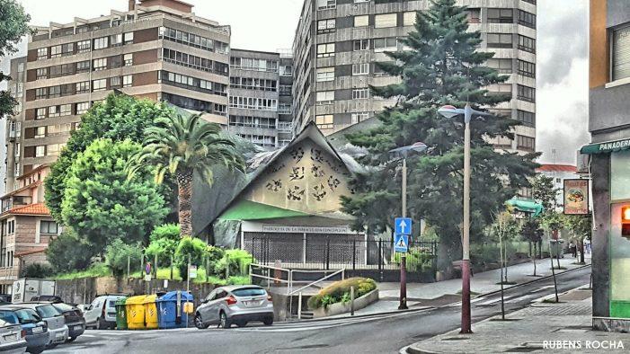 La Policía Nacional detiene a dos jóvenes que habían amenazado a otro menor para robarle cerca de la iglesia de los Picos