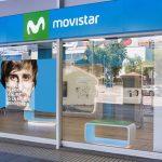 Movistar devuelve a una persona 565 euros que le cobró durante 8 años pese a que ya no era cliente