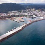 Un grupo de adestramento da Policía Nacional foi rescatado ileso ao envorcar a súa embarcación no porto de Burela