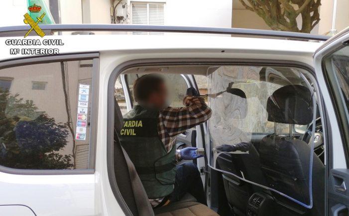 La Guardia Civil esclarece dos atracos a taxistas en la comarca del Salnés