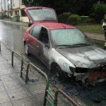 Una conductora se vio obligada a apearse de su vehículo al incendiarse en Vigo