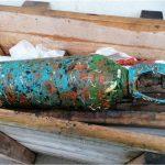 El puerto de Vigo retira cerca de 30 toneladas de residuos de los fondos de varias dársenas en Bouzas