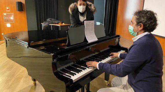 O Concello de Nigrán adquire un piano de cola para poder ofrecer este novo aprendizaxe na actividade de música