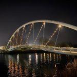 As pontes das Correntes, dos Tirantes e a pasarela peonil da Illa do Cobo estrean esta noite a súa iluminación ornamental