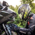 Qué se necesita para ir bien equipado en moto